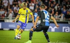 HLV Marc Brys 'bảo vệ' Công Phượng và cầu thủ Sint-Truidense sau trận thảm bại 0-6