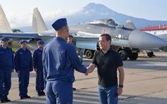 Thủ tướng Nga thăm đảo tranh chấp với Nhật ở Thái Bình Dương