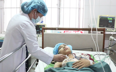 Video: Cứu sống nam thanh niên bị cây sắt đâm từ cổ xuống phổi