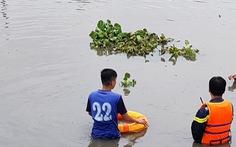 Thanh niên nghi 'ngáo đá' nhảy xuống sông mất tích