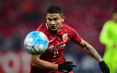 CĐV Trung Quốc giận dữ vì HLV Lippi gọi 2 cầu thủ ngoại vào đội tuyển quốc gia