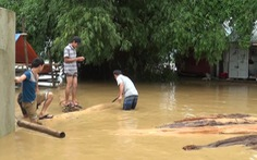 Hơn 600 nhà dân miền núi Thanh Hóa ngập trong lũ