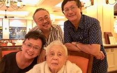 Nghệ sĩ Thái Thị Liên đón tuổi 101 bên NSND Đặng Thái Sơn và con cháu