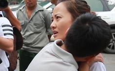 Video: Nhiều phụ huynh bức xúc và yêu cầu chất vấn với Trường Gateway