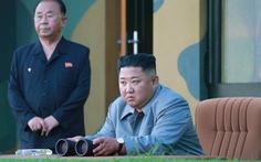 Ông Un nói bắn tên lửa để cảnh cáo Mỹ-Hàn