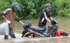 30.000 hộ dân Đắk Lắk bị cô lập, hàng chục ngàn ngôi nhà chìm trong biển nước