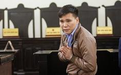 Ca sĩ Châu Việt Cường được giảm 2 năm tù, bật khóc khi nhắc đến mẹ mới mất