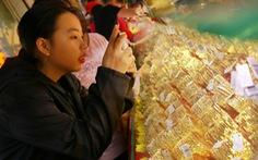 Vàng giữ đà tăng giá bất chấp áp lực chốt lời