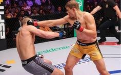 Video võ sĩ Maxim Grishin đấm gục đối thủ chỉ sau...'một nốt nhạc'