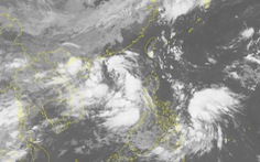 Áp thấp nhiệt đới vào đất liền Việt Nam sức gió mạnh nhất, một áp thấp khác cách Hoàng Sa 140km