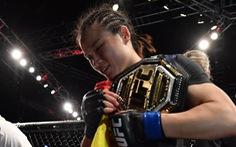 Knock-out đối thủ trong 42 giây, Weili Zhang làm nên lịch sử cho võ thuật Trung Quốc