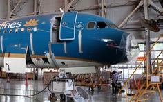 Máy bay Vietnam Airlines móp mũi, hỏng rađa do va chạm với... chim