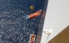 Cứu máy trưởng người nước ngoài bị mê man ở vùng biển Hoàng Sa