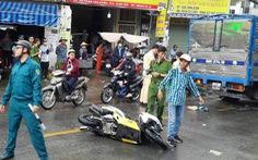 Xe tải nghi mất thắng húc 2 xe máy, 1 người chết