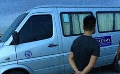 'Khi mang thi thể tài xế chết trong xe đưa đón học sinh ra, tay nạn nhân còn kim tiêm'