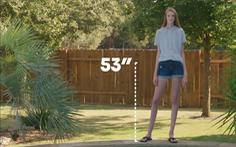 Video: Cô gái có đôi chân dài nhất thế giới