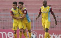 Cú sút xa ghi bàn 'ngỡ ngàng' nhất V-League 2019