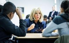 Đệ nhất phu nhân Pháp Brigitte Marcron trở lại dạy học