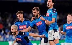 'Siêu hậu vệ' Van Dijk mắc sai lầm, Liverpool phơi áo trước Napoli