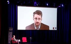 Mỹ kiện đòi tiền nhuận bút viết sách của Edward Snowden