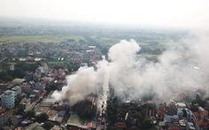 Cháy chợ Tó ở Đông Anh, nhiều gian hàng bị thiêu rụi