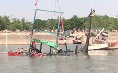 Video: Vẫn chưa tìm thấy 3 người mất tích trong vụ nổ tàu cá ở Thanh Hóa