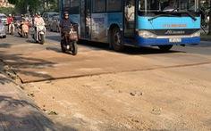 Nhiều tuyến phố Hà Nội bụi mù mịt