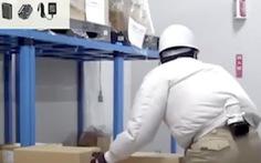 Video: Thiết bị làm mát gắn bên trong áo của người Nhật Bản