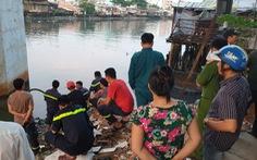 Cảnh sát lặn tìm người đàn ông khuyết tật nhảy cầu Chánh Hưng