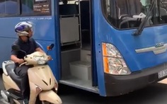 Tài xế xe buýt bấm còi, ép xe, phun nước miếng khi bị phàn nàn