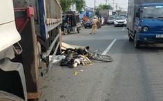 Video: Xe tải đâm xe đạp, người đàn ông lượm ve chai tử vong