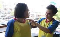 Sinh viên sáng chế áo thun chống đuối nước