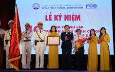 Khoa Phát thanh - truyền hình đón nhận Huân chương Lao động hạng ba
