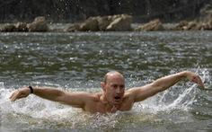 Vì sao Tổng thống Putin không hút thuốc?