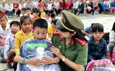 Mưa lớn dồn dập, nhiều trường học Nghệ An lùi ngày khai giảng