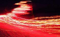 Phát hiện sóng ánh sáng kỳ lạ chưa từng được biết đến
