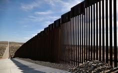 Bộ Quốc phòng Mỹ rút tiền xây trường, nhà trẻ mang xây tường biên giới