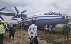Sân bay Myanmar đóng cửa vì máy bay quân sự trượt đường băng
