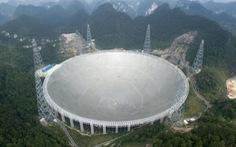 Kính viễn vọng khổng lồ bắt được tín hiệu bí ẩn từ vũ trụ