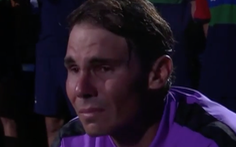 Nadal khóc nức nở sau 5 ván căng thẳng với Medvedev
