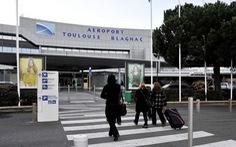 Tưởng tập đoàn Trung Quốc đầu tư sân bay, hóa ra mua đi bán lại kiếm lời