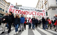 Pháp nhượng bộ người biểu tình, hủy kế hoạch tăng tuổi hưu
