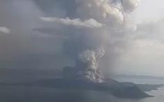 Núi lửa thức giấc sau 40 năm, Philippines đóng cửa sân bay ở Manila