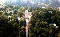 Xây cầu đáy kính không phép cao 28m giữa Thung lũng tình yêu