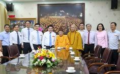 Lãnh đạo TP.HCM chúc tết, tặng quà chức sắc tôn giáo, nhân sĩ trí thức