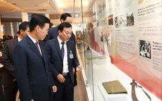 Khai mạc trưng bày 'Tự hào 90 năm Đảng Cộng sản Việt Nam'