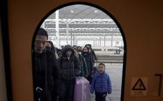 Đường sắt Trung Quốc dễ thở kỳ 'Xuân vận' tỉ người nhờ công nghệ hỗ trợ