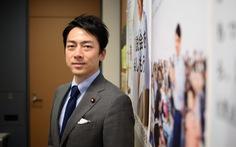 Bộ trưởng Nhật làm chuyện hiếm có: 'nghỉ thai sản' chăm con mới sinh