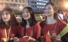 Trực tiếp: Cổ động viên đang đổ về sân Rajamangala ủng hộ cho U23 Việt Nam