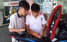 Học trò làm thiết bị báo động xe bị cướp, gặp nạn